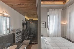 Deluxe-Poliziano-modern-room