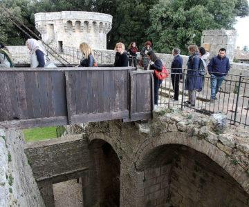 23 Trekking sentiero acque e visita al castello 2