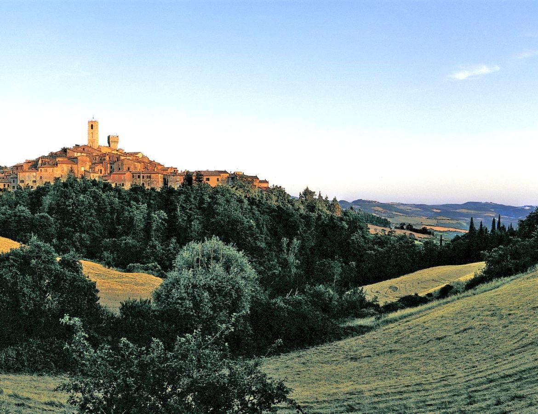 Due dei borghi più belli dItalia montepulciano san casciano cetona