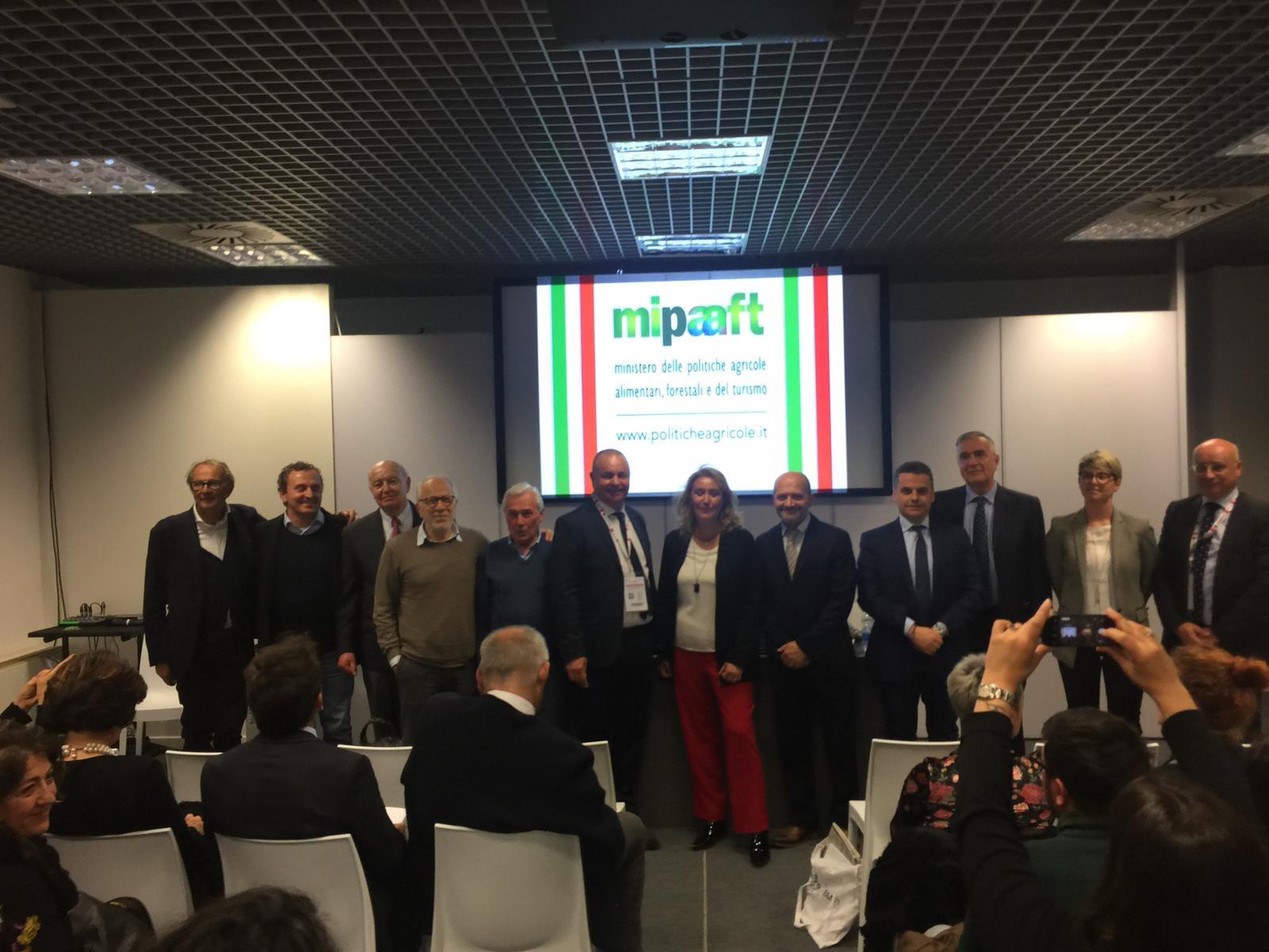 Federazione Italiana Strade del Vino dellOlio e dei Sapori con Alessandra Pesce