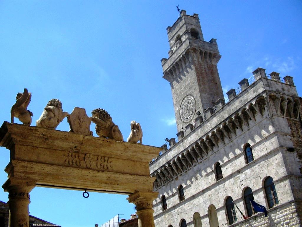 01 Palazzo Comunale Piazza Grande Montepulciano photo credits Antonio Campoli 1024x768